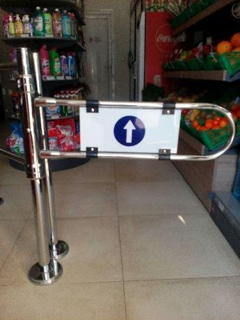 Механична врата за магазин