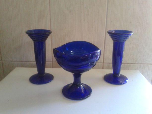 Centru de masa din sticla albastra