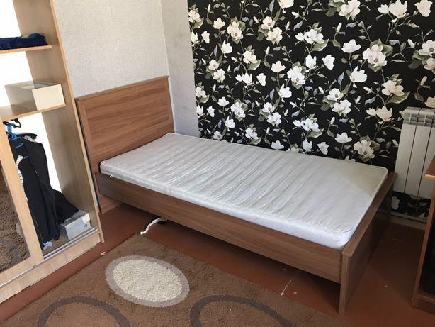 Кровать в отличном состояний