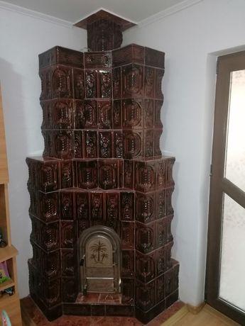Soba de teracotă pe colt