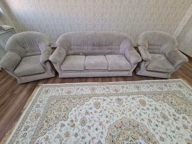 Продаётся диван трансформер и кресла