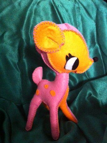 Puiul de caprioara Kimiko, jucarie handmade din fetru.