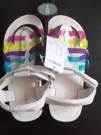 нови сандали за момиче размер 35
