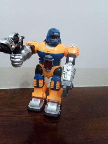 Robot cu funcții