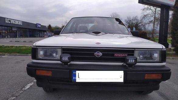 Ретро автомобил Нисан