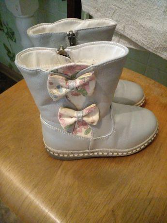 Продам зимний обувь для девочек. Разм.29. Состояние очень хорошие.