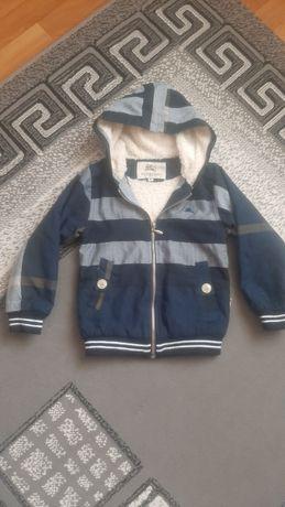 Продам детскую курточку. Осень-весна.