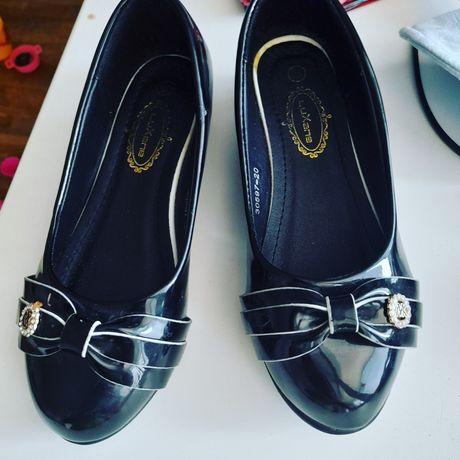 Продам детский обувь