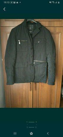 Продам мужскую куртку в отличном состоянии
