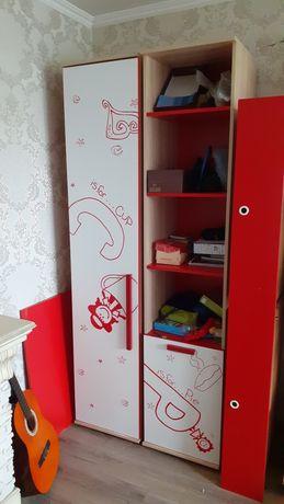Продам 2 шкафа для детской