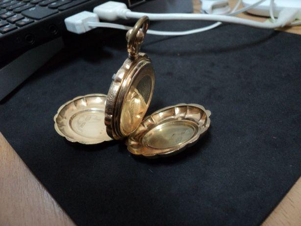 ceas aur-pandant
