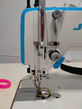 Электронная щвейная машина