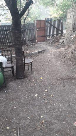 Închiriez teren cu casă bătrânească in comuna Oancea Gl.