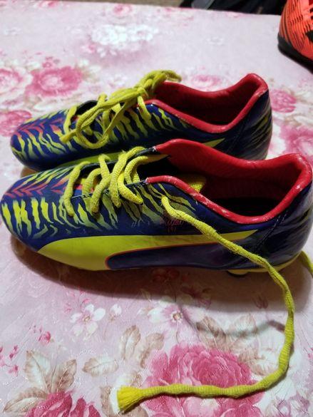 Детски бутонки Puma 35 номер / Детски футболни обувки Puma