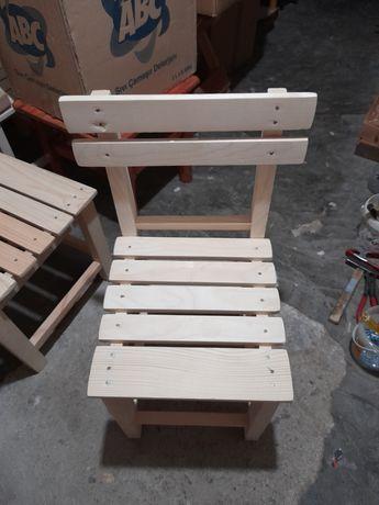 Дървено Столче от чам