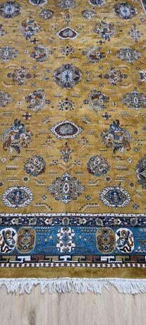Covor vintage 240/340,material lână proveniență Iran stare foarte bună