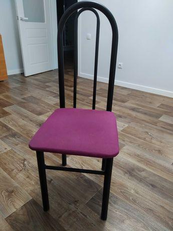 Продам стулья разные