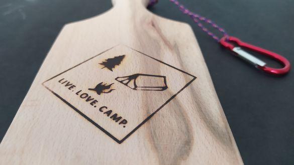 Супер подарък: Дъска за мезе за къмпингари и планинари