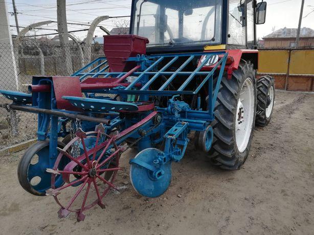 Masina de plantat cartofi cu fertilizator