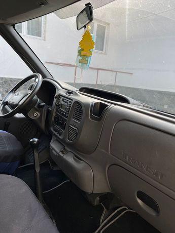 Vând Ford transit