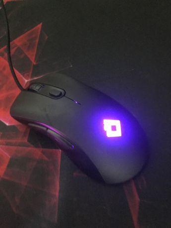 Мышка red square