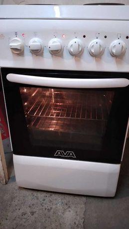 Продам электро плиту в рабочем состоянии.