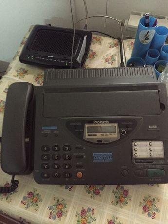 Vând fax