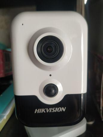 Продам видеокамеру Hikvision