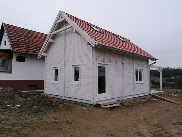 Vand și fac case modulare diferite proiecte