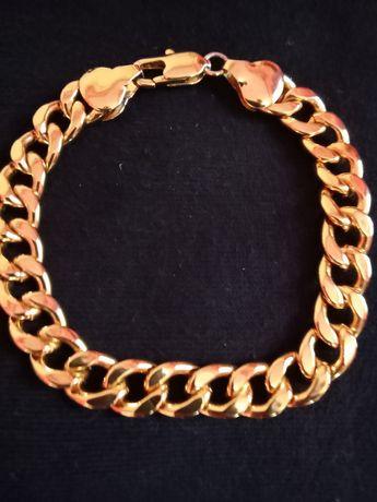 Brățară din inox placată  cu aur de 18k . Lungime 21cm.