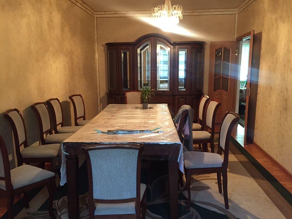 Продаётся стол со стульями