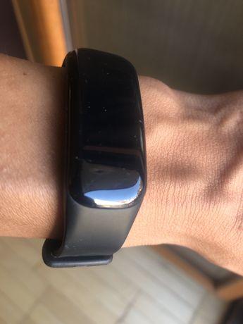 Фитнес гривна Smart bracelet C1 в черен цвят