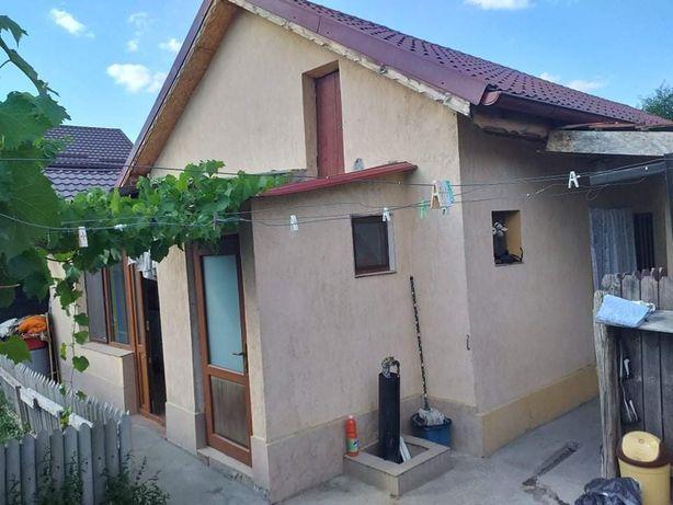 Vand casă lângă parcul Marghiloman