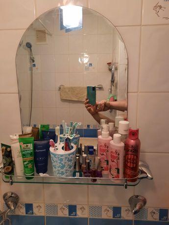 Зеркало с полкой в ванную