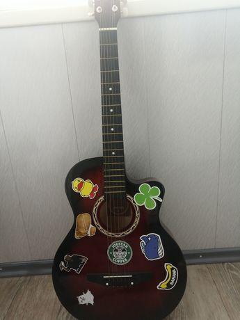 Продам Гитару Leiluo
