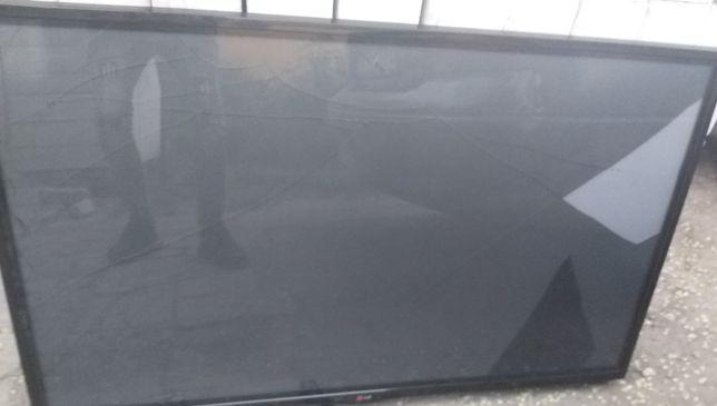 ТВ плазма LG 127 см, рабочий,экран треснул,2014 год