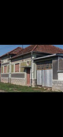 Casa din caramida,la 35 km de Oradea*19.900 euro neg