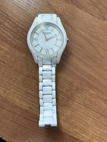 Часы керамика чисто англиийские. Покупали в Англии.