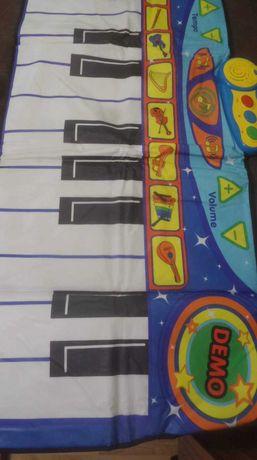 Детско пиано килим