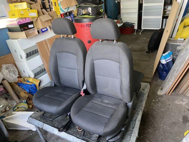 Vand scaun sofer si pasager Mazda 2 DY fabricatie 2003-2007