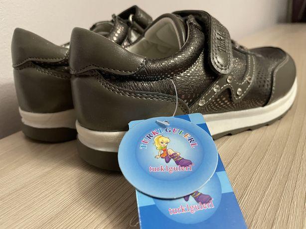 Обувь детская ботиночки-кроссовки детские на девочку