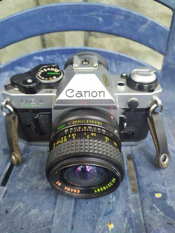 Фотоапарат Canon AE-1 Program .