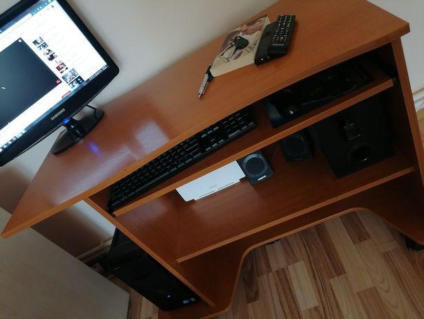 De vânzare! Set complet PC+Birou+Scaun de birou