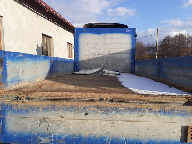 Transport cu camion 7,5 tone cu obloane.