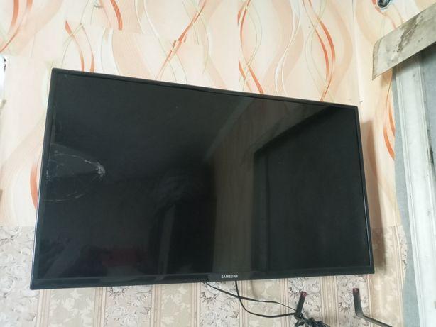 Телевизор экран сломанный