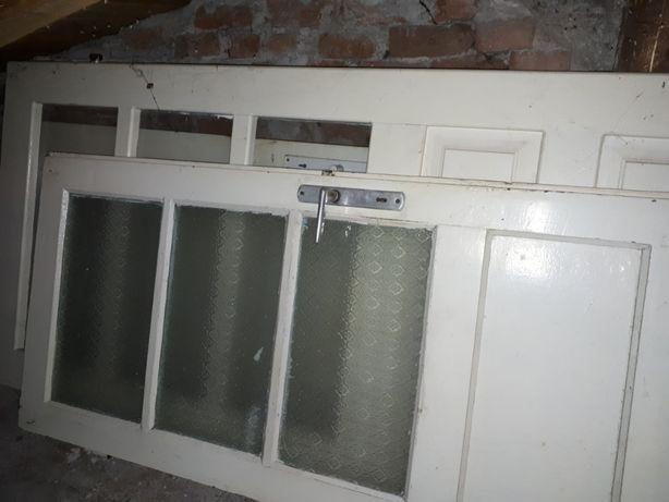 Vand 3 usi lemn brad 1 usa intrare stejar si un geam termopan