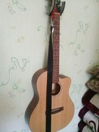 Продам гитару +чехол