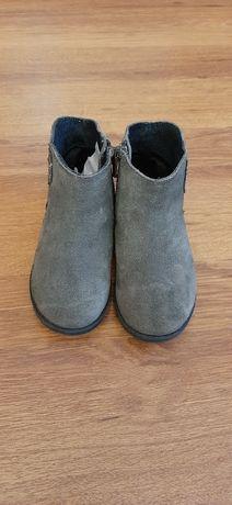 Продам детская обувь на девочку размер 24