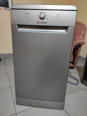 Продам посудомоечную машину Индезит