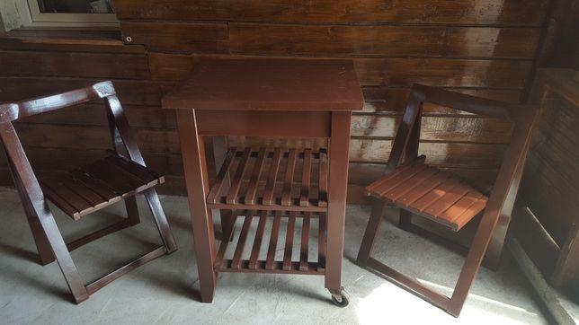 Masuta si 2 scaune din lemn pentru gradina